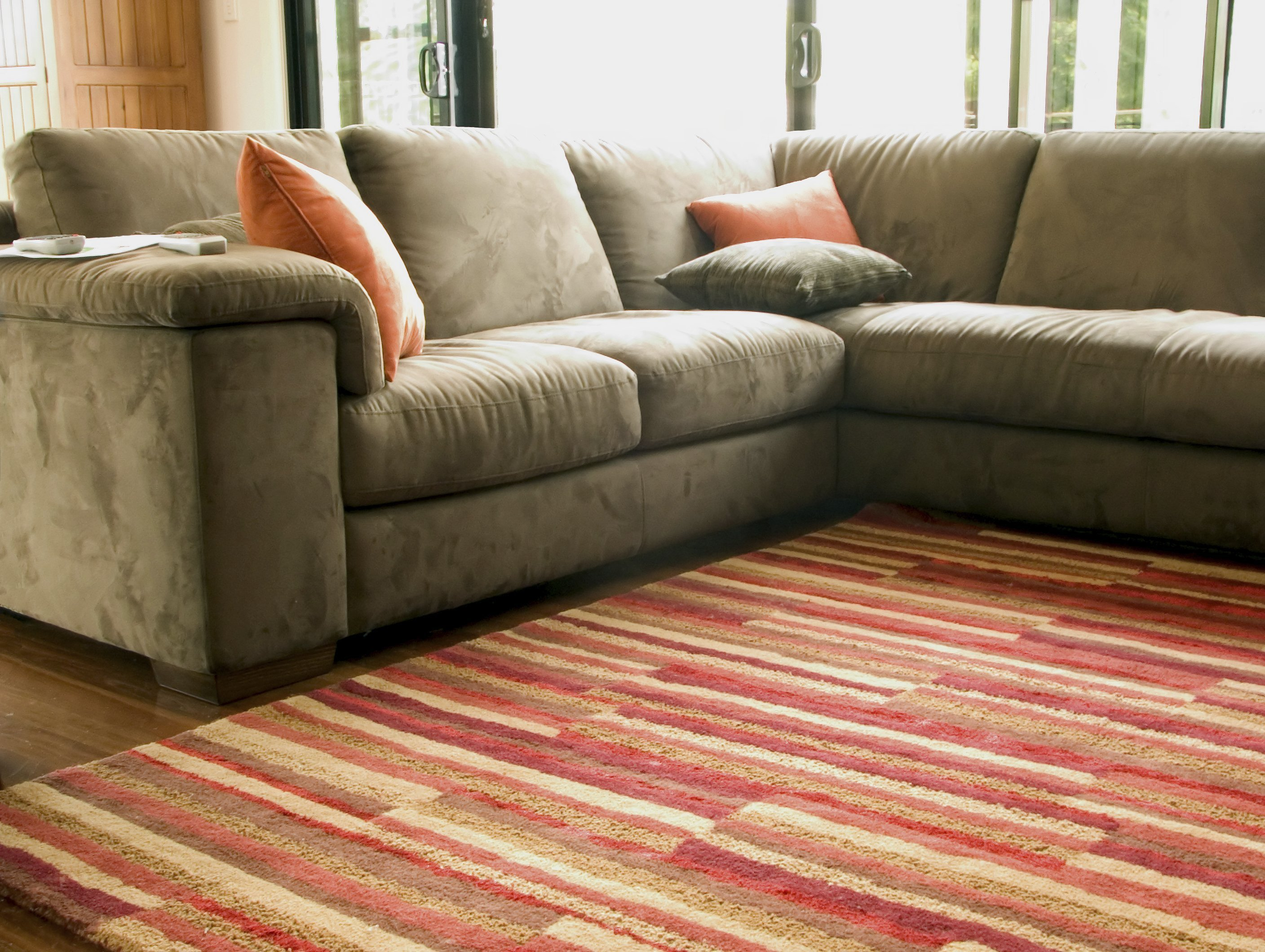 Elite Green Team Chem-Dry cleans rugs for a healthy home